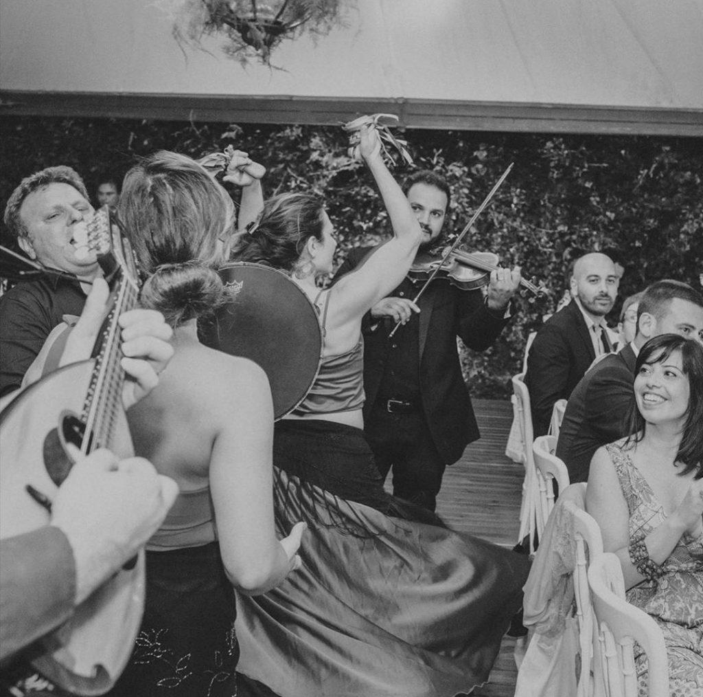 sposi in campania, gruppo arechi, intrattenimento, intrattenimento matrimonio, musica nozze, musica matrimonio, gruppo musicale matrimonio, matrimonio musica, sposi salerno, sposi campania, campania matrimonio, campania intrattenimento, gruppo musica, voce matrimonio, solista matrimonio
