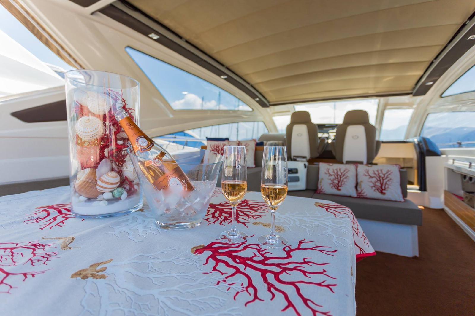 luxury cars & yachts scafati, sposi in campania, sposi campania, matrimonio campania, matrimoni campania, noleggio auto campania, noleggio barche campania, yachts campania, autonoleggio campania, auto di lusso campania, noleggio di lusso campania