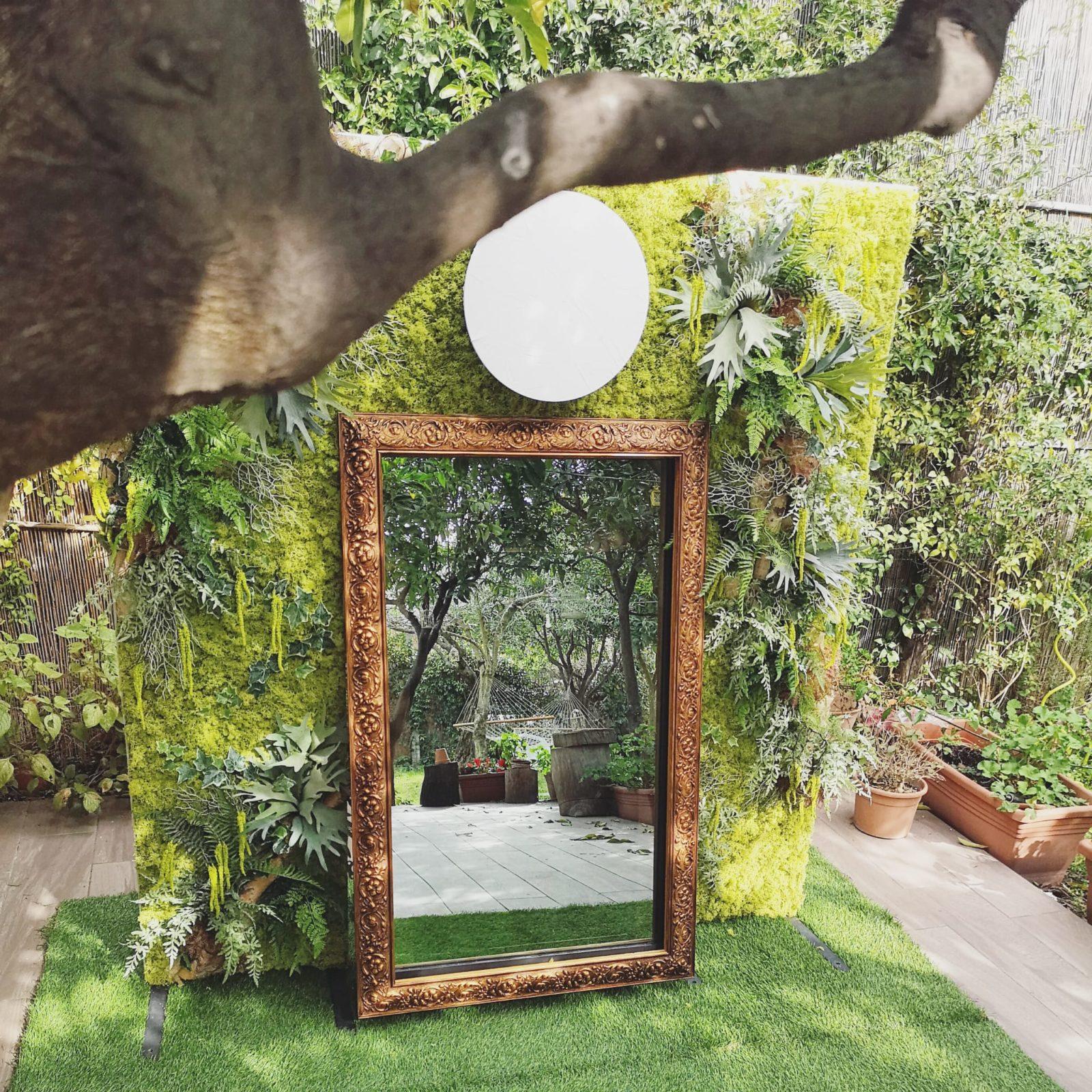Lo specchio incantato
