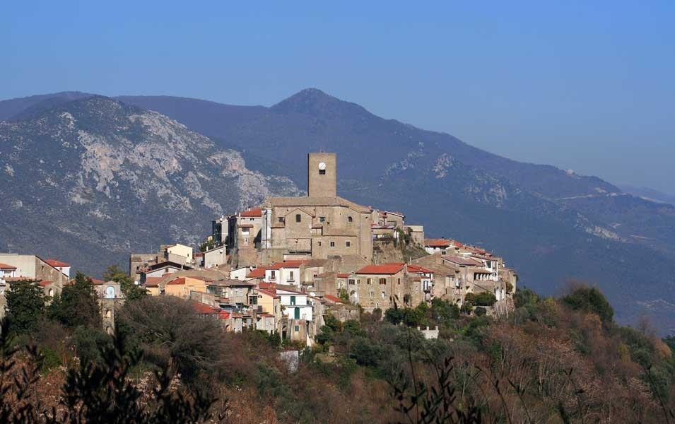 Roccamonfina: la storia del vulcano e le tradizioni gastronomiche