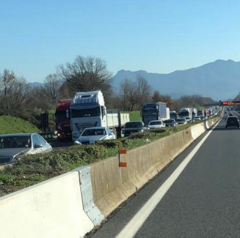 Ristoratori campani in marcia su Roma: autostrada A1 in tilt